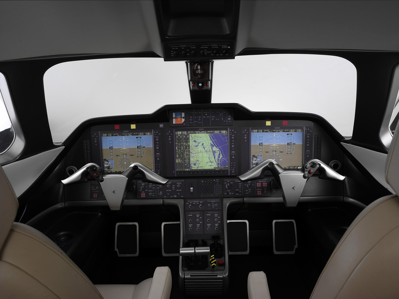 Phenom 300 cockpit phenom executive jet line leaders of innovation - Phenom 01 Phenom 02
