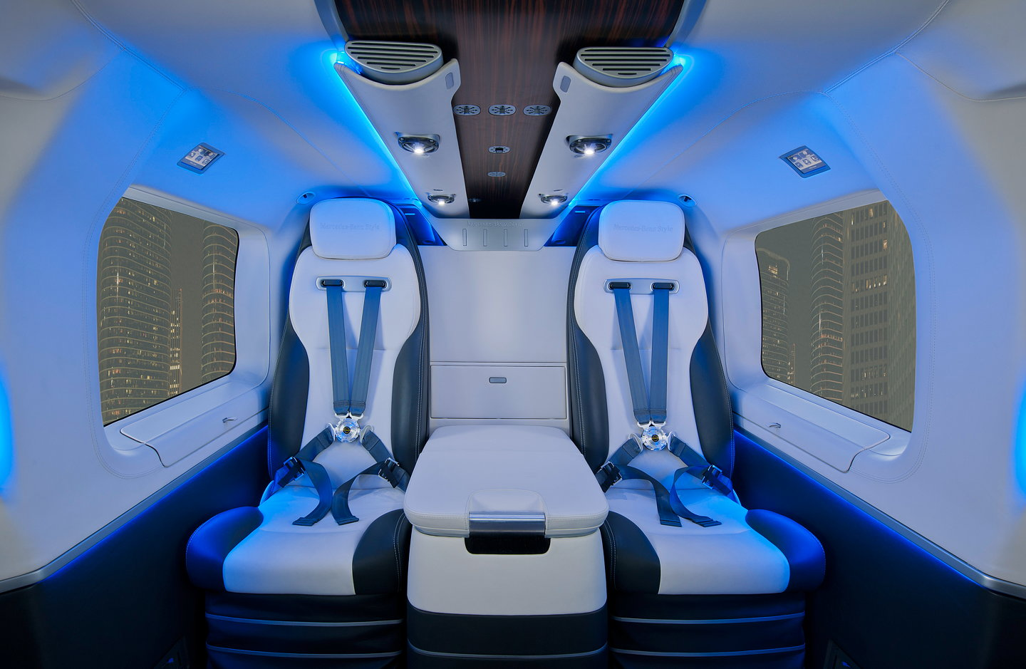 Ec145 mercedes benz style helicopter for Helicoptere interieur