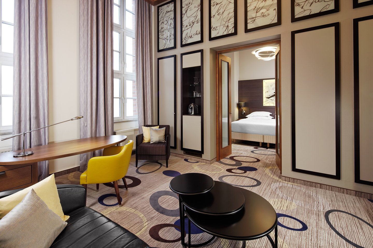 Resultado de imagem para joi design innenarchitekten Top deutschsprachige Innenarchitekten in Instagram Sheraton Hanover Pelikan Guestrooms by JOI Design 02 gallery