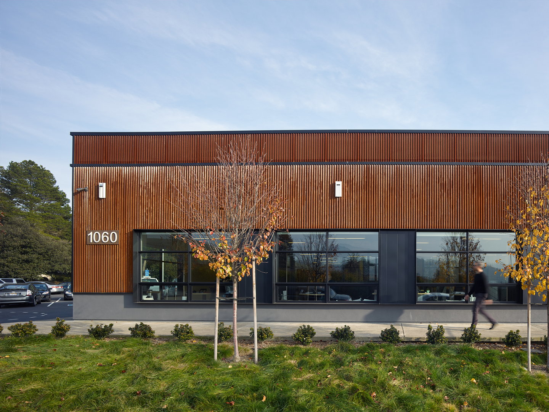Studio Vara Transforms Retail Building Into New Open