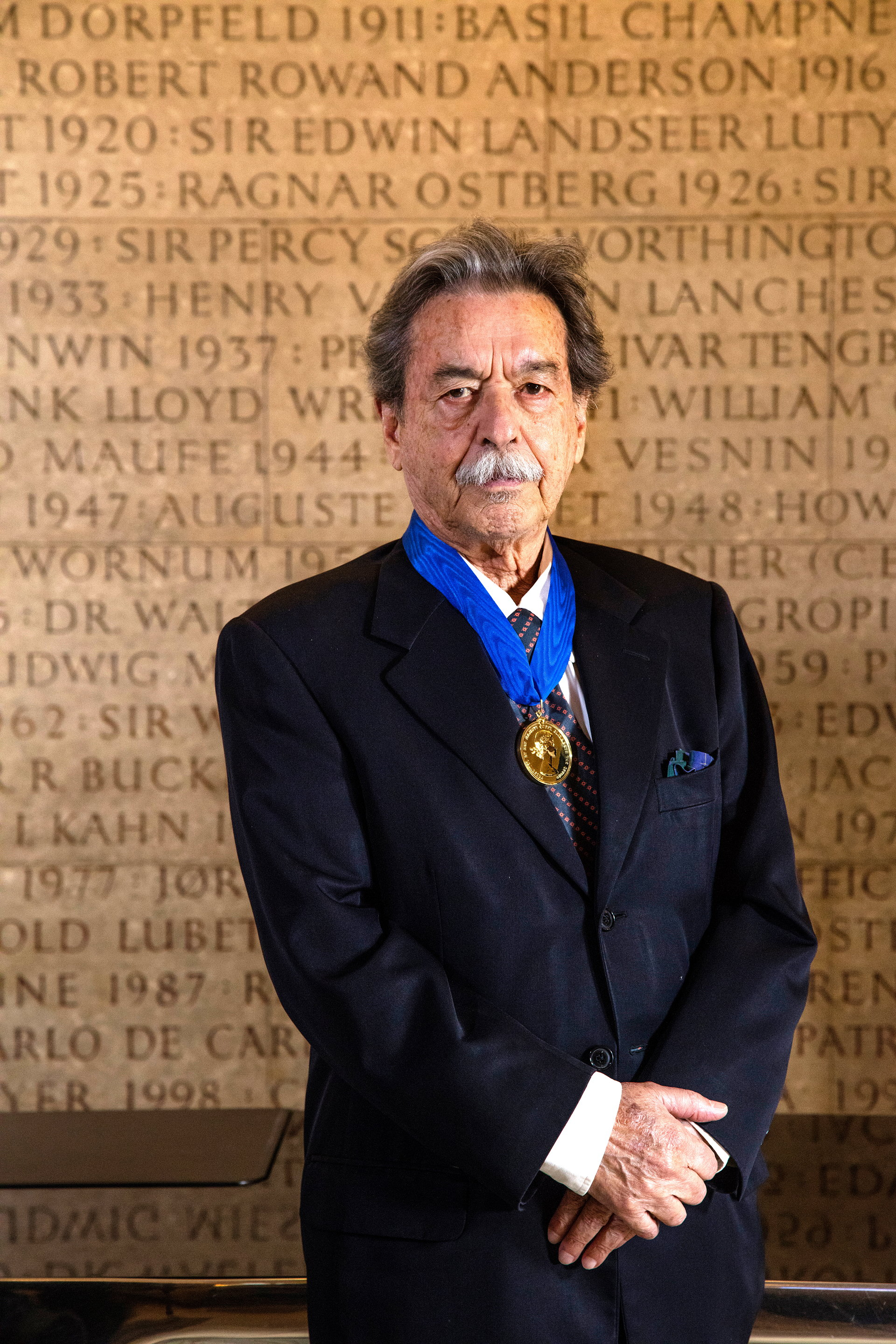 Paulo Mendes da Rocha with Royal Gold Medal