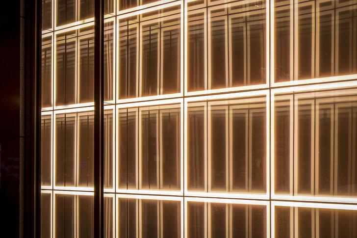 1 North Dearborn Light Installation 05