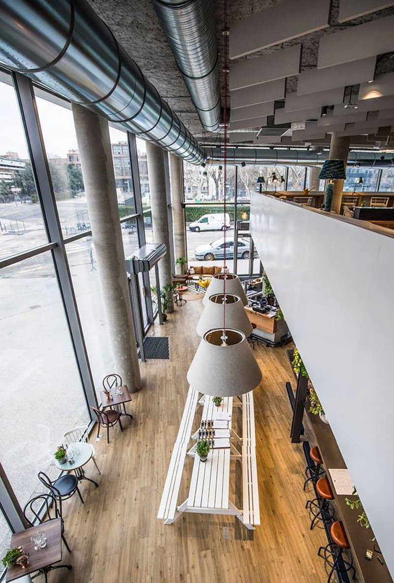 The Restaurant Is One Of The First Strategic Projects Of The Renewal Of This District That Serves From Creative Brunches To Business Meals As Well As Day