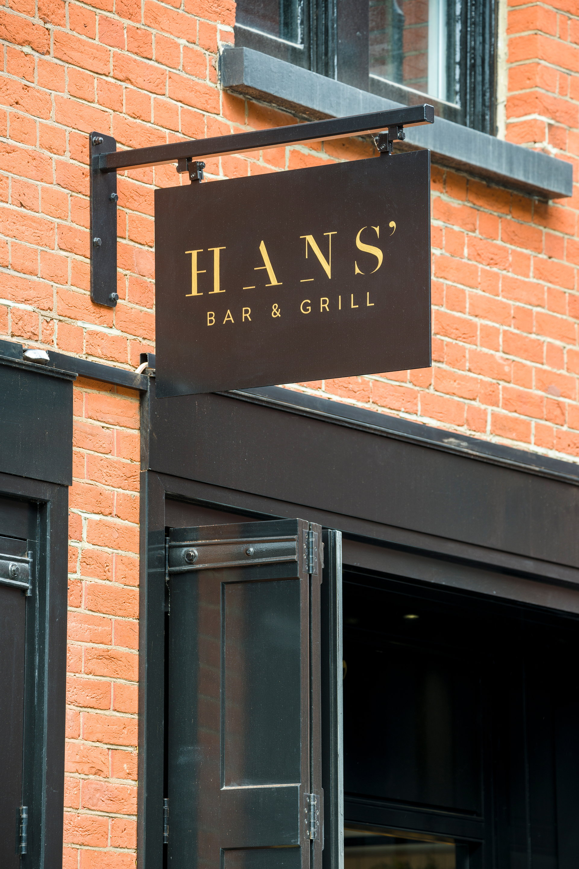 Hans Bar and Grill