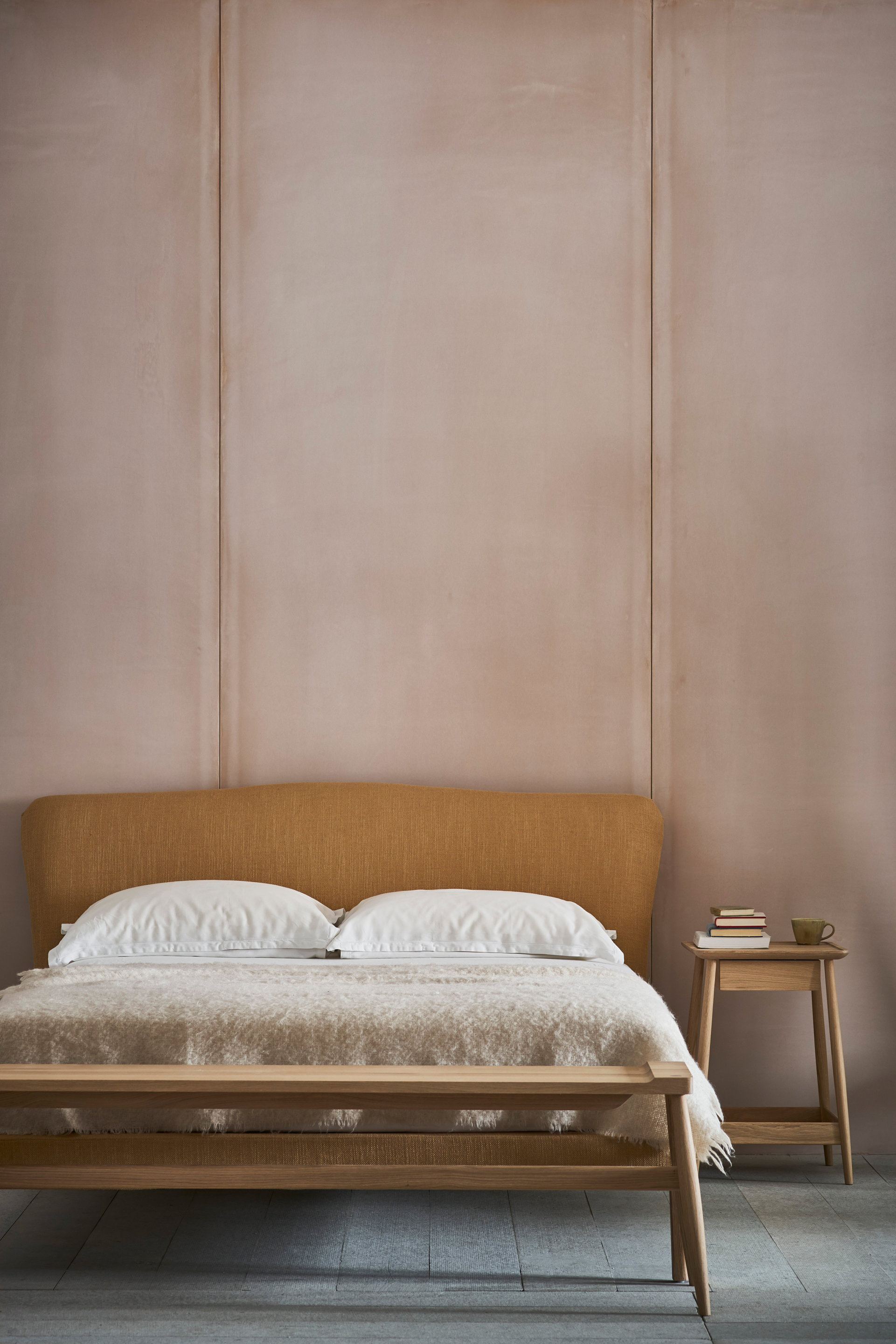 Moreau Bed
