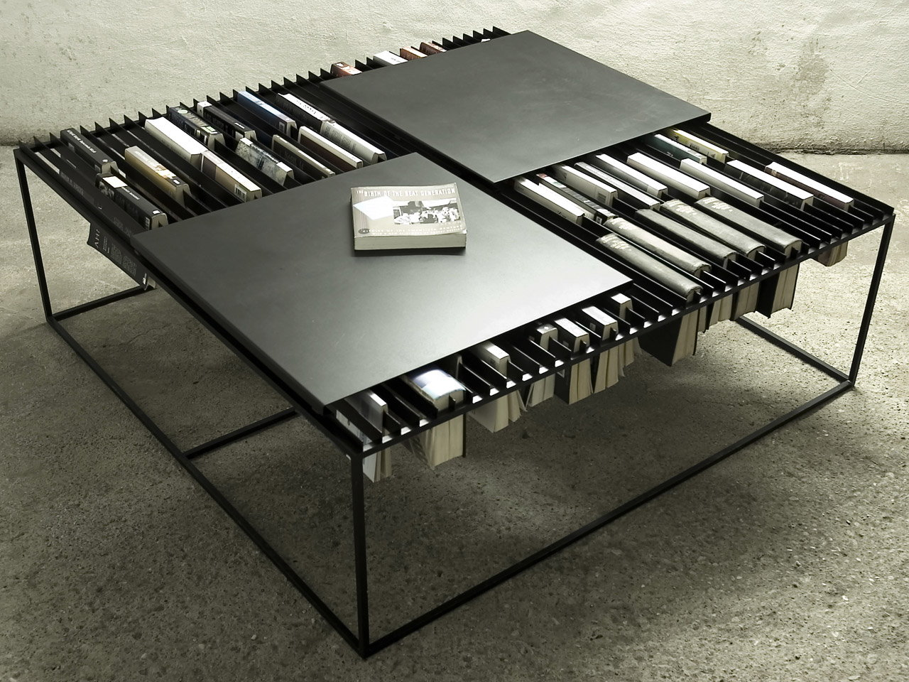 Nar Coffee Table Wins IDW 2005 Best Design Award