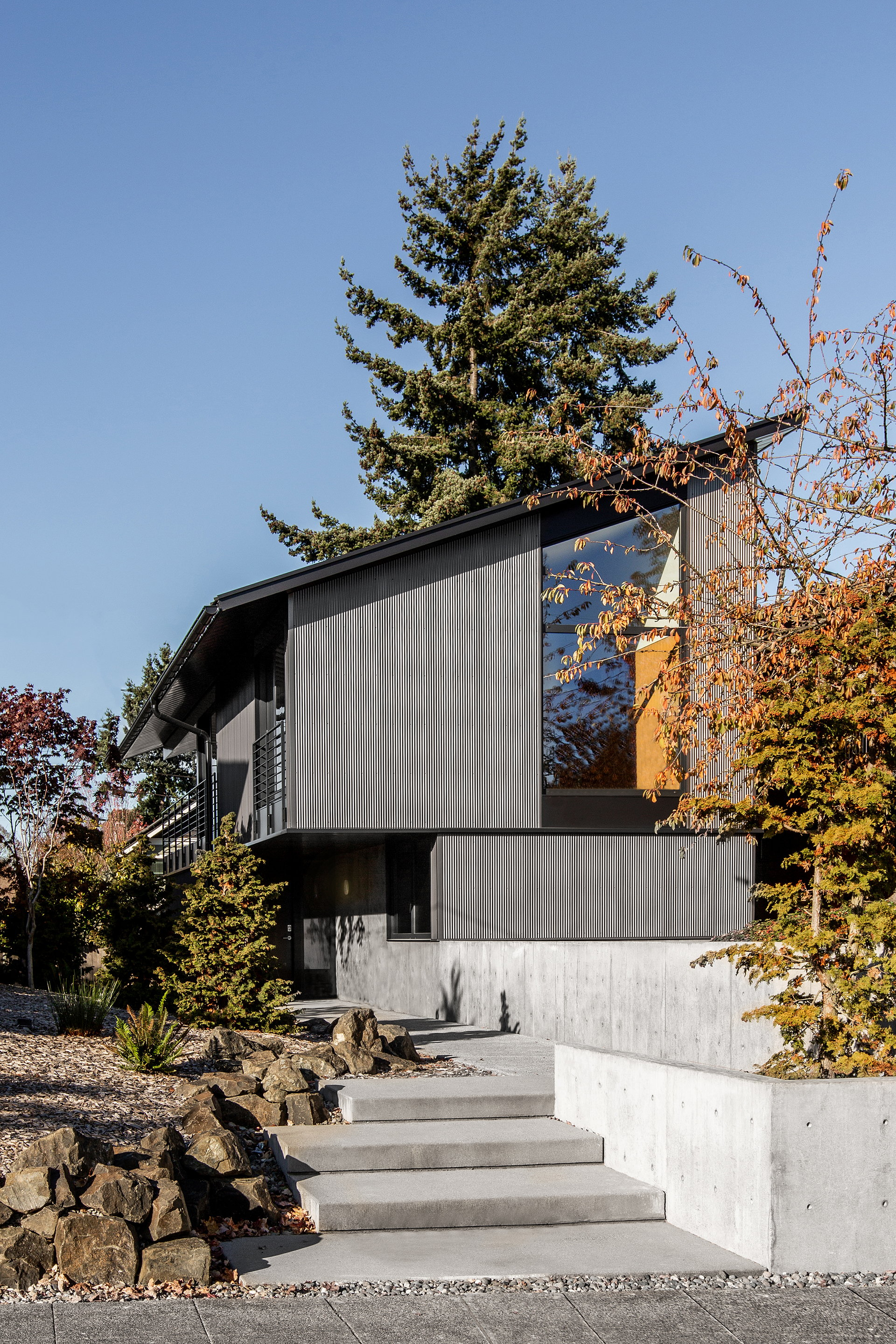 West Seattle House by SHED Architecture