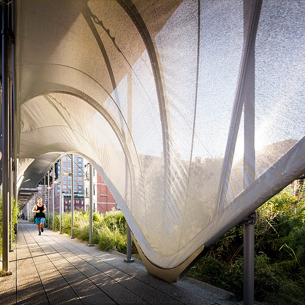 Allongé - Zaha Hadid's High Line Installation Unveiled in New York