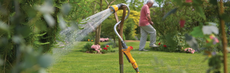 Seymourpowell Designs Hozelock Growbag Waterer and Flexi Spray