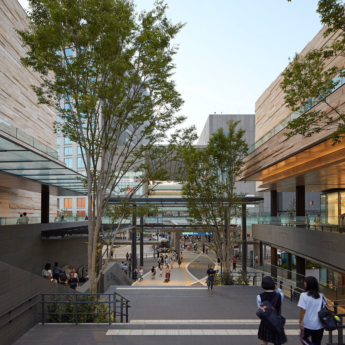 Conran and Partners Completes 20 Hectare Urban Regeneration Project in Tokyo