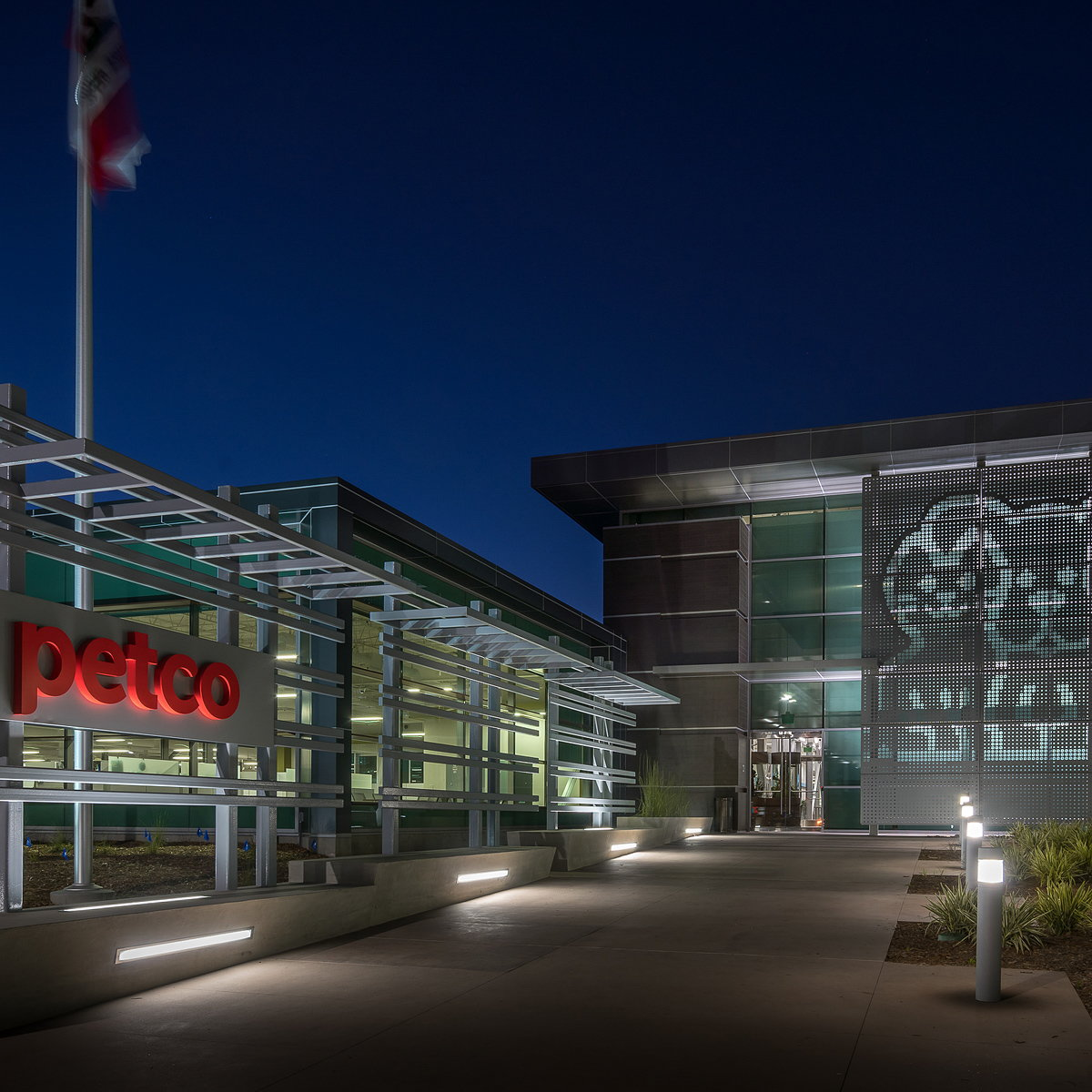Smith Consulting Architects Completes Pet-Friendly Petco National Support Center
