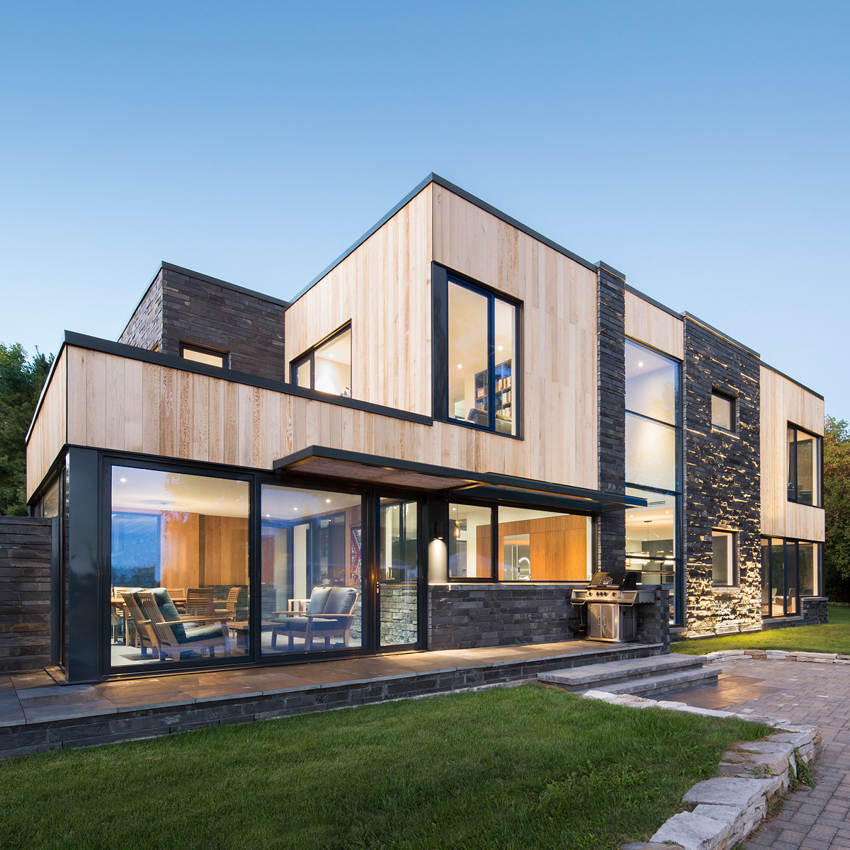 Hemmingford House by SIMARD Architecture