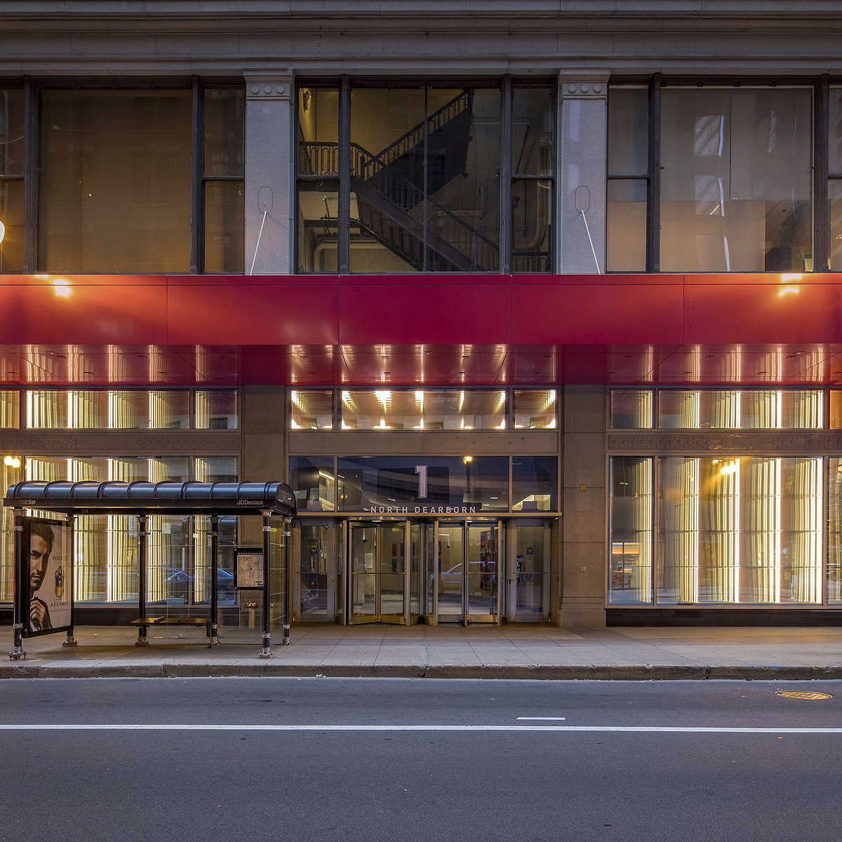 ESI Design Transforms Iconic Chicago Office Building with Large-scale Light-Art Installation