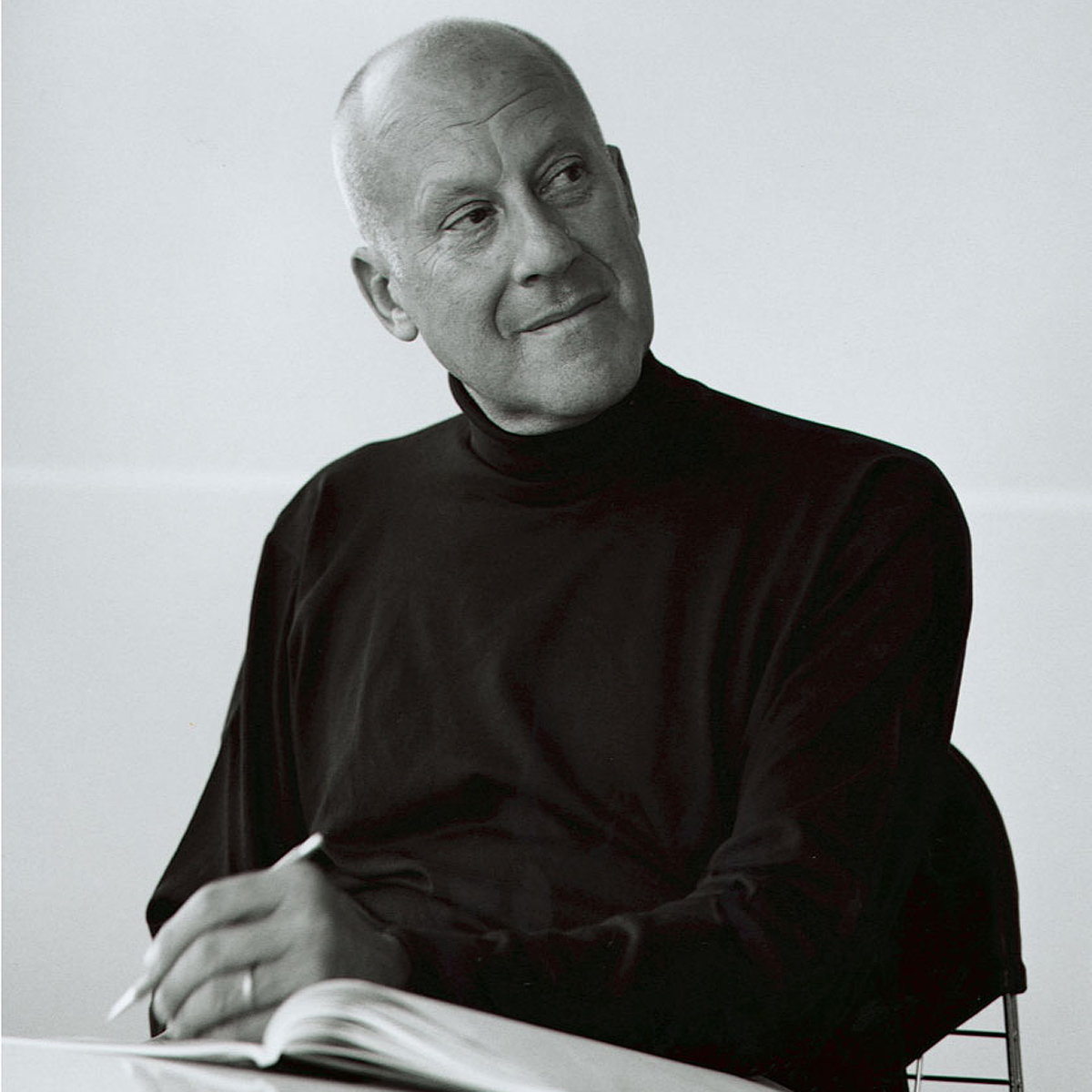 Norman Foster Wins American Prize for Design
