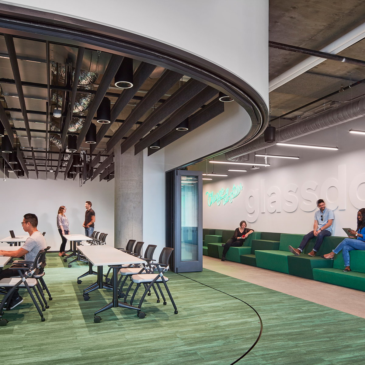 Glassdoor Chicago Office by Valerio Dewalt Train