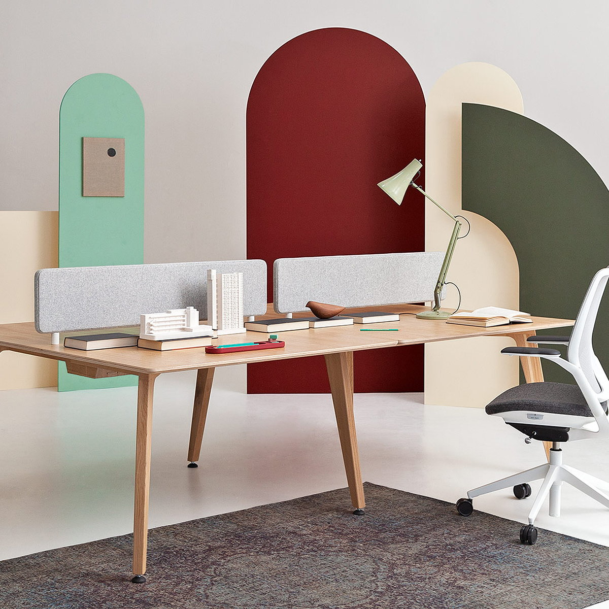 Liqui Contracts to Launch New Bench-Desk System at 100 Percent Design