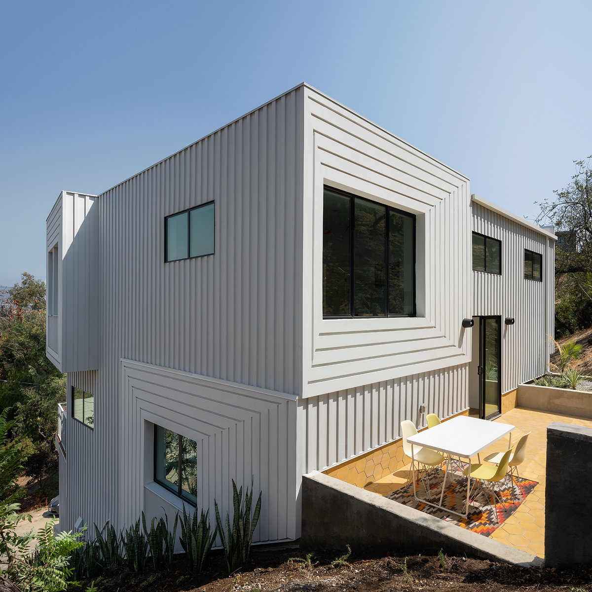 FreelandBuck Designs Four-Story Home Notched into a Los Angeles Hillside