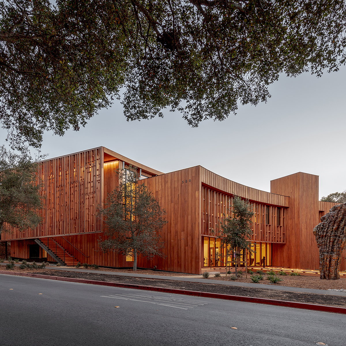 Ennead Architects Completes Denning House at Stanford University