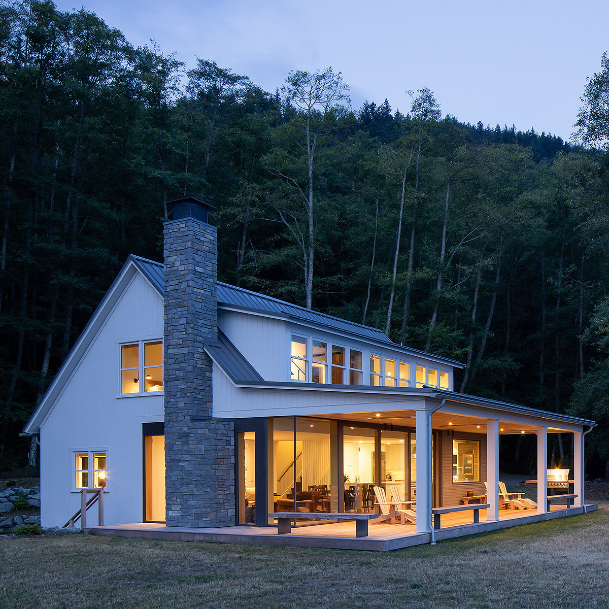 Heliotrope Architects Renovates Waterfront Retreat on Orcas Island