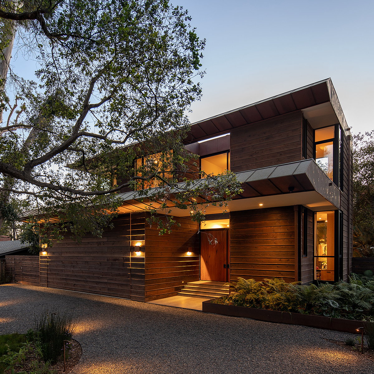 Conner and Perry Architects Designs Los Angeles Residence Celebrating Art and Nature