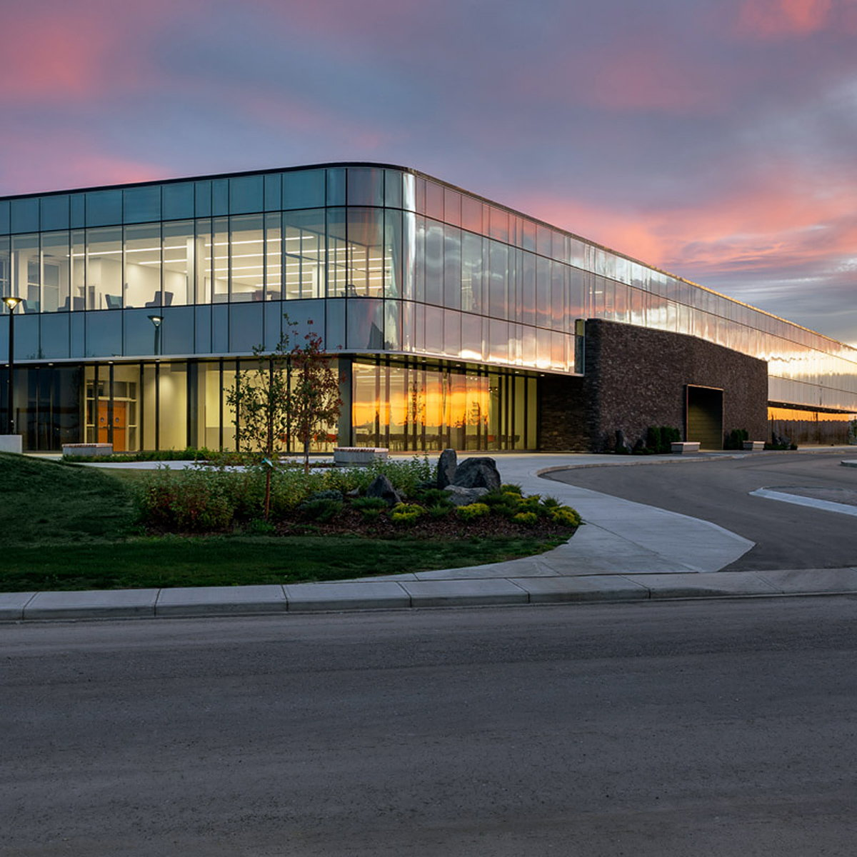Canadian Blood Services Facility by NORR