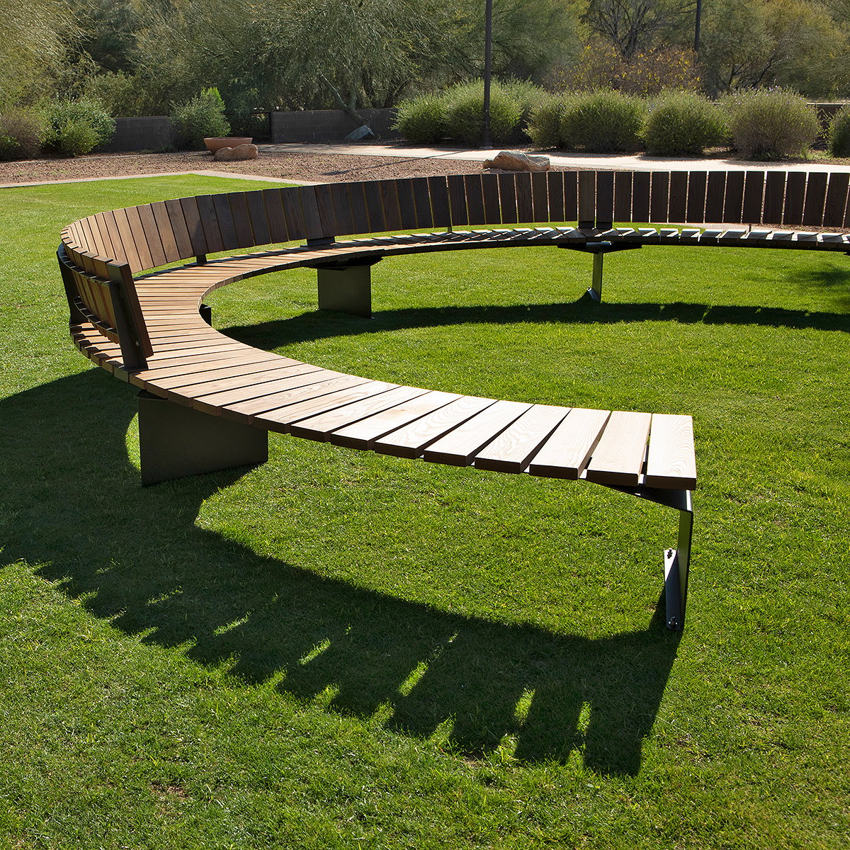 Landscape Forms Debuts 'Link' Outdoor Seating System