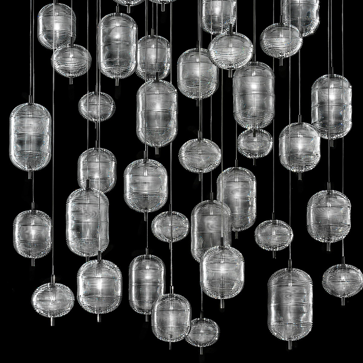 Lodes Debuts Jefferson Suspension Lamp in US