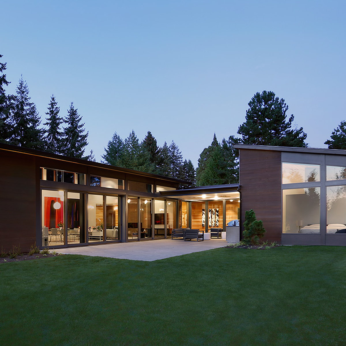 Eulberg Residence by Paul Michael Davis Architects