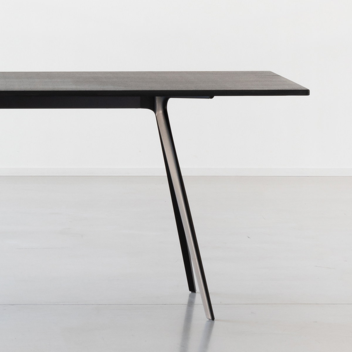 BAGUETTE Table by Ronan and Erwan Bouroullec
